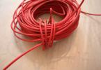 Fil électrique rouge